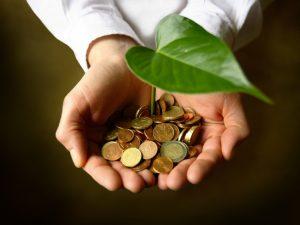 外資系エリサーと公務員はどちらが投資に向いているか?